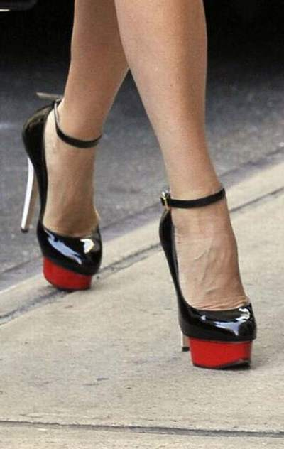 énorme réduction 8f40b 09ad1 chaussures louboutin very prive,chaussure type louboutin ...